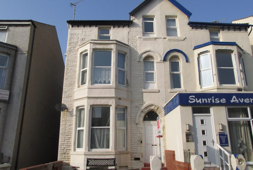 16 Withnell Road